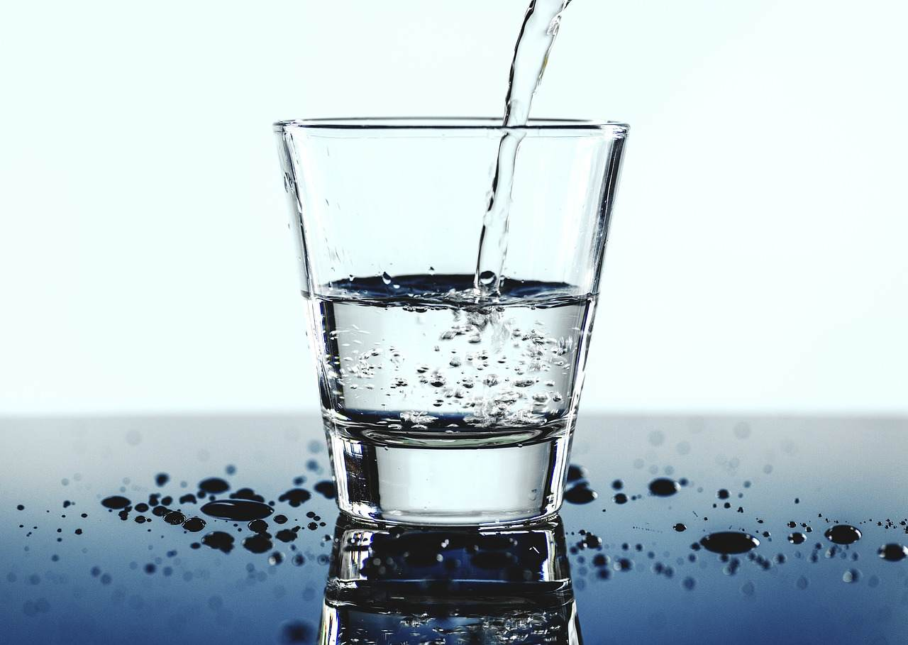Drinking a lot of water for Epithelial Cells in Urine
