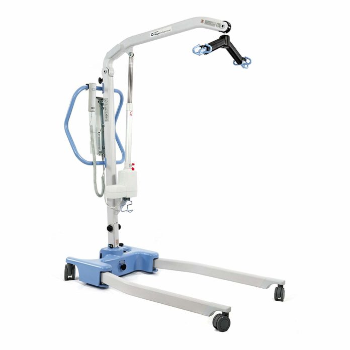 Best Portable Patient Lifters – Reviews & Buying Guide
